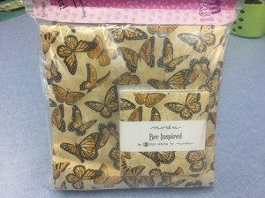 Bee Inspired (Deb Strain) 19797 16, Layers of Charm Plus One Quilt Kit